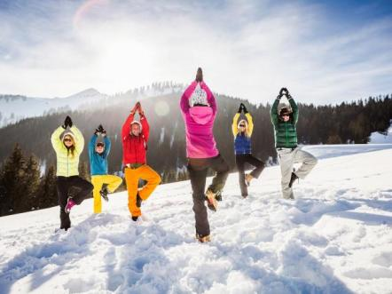 friends_doing_yoga_in_snow__medium_4x3